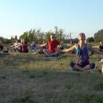 zajęcia jogi na świeżym powietrzu Ohana