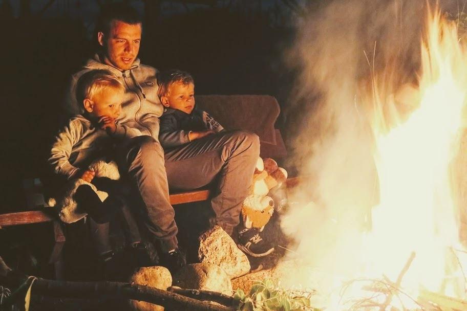ognisko nad jeziorem wakacje 2019