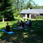 Ohana wakacje z dziećmi zajęcia jogi dla dorosłych